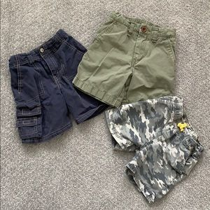 Bundle of 3 pairs of 2T shorts